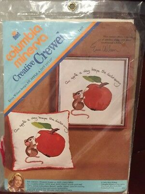 Columbia Minerva Embroidery Crewel Kit Apple a day Keeps Doctor Mouse Wilson](Minerva Mouse)