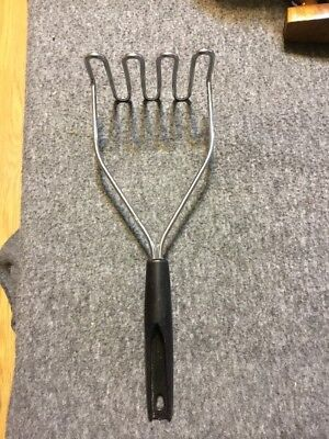 "VINTAGE EKCO BLACK ROUND HANDLE POTATO BEANS MASHER 10"" Long"