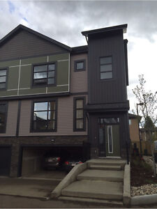 Beautiful townhouse for RENT - 3 BR 2.5 BA in NW Edmonton