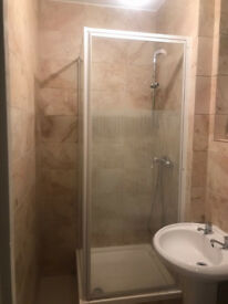 2 Spacious double rooms to let, bills included.