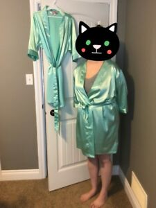 4 mint coloured robes