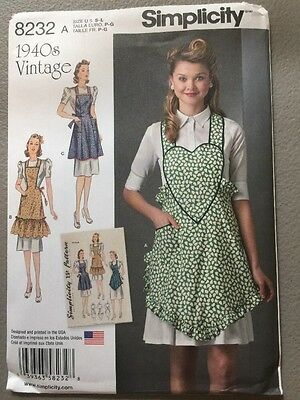 Simplicity Sewing Pattern 8232 Ladies  Vintage Style Aprons with Pockets New