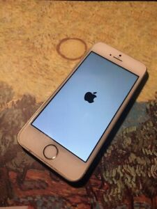 Apple iPhone SE (16Gb/Gold) - Factory Unlocked !!! (Almost New)