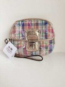 COACH Poppy Wristlet Wallet Carry Bag Modras Signature C Pushlock 47604 NWT