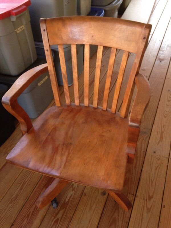 Vtg Antique Gunlocke Style Solid Honey Maple Wood Bankers Office Swivel Chair