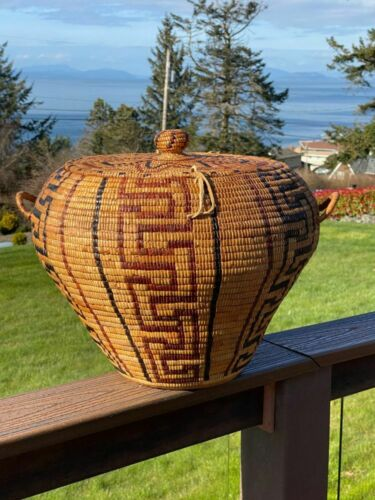 A very fine, large, early Salish Thompson River fully imbricated lidded basket