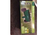 Gardenline 12 litre lawn seed/fertiliser spreader