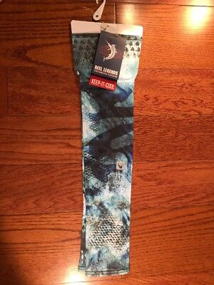 NWT Reel Legends Clothing Blue Fishing Camo Scalfs Sleeves Size Small