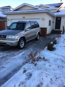 2003 Suzuki grand Vitara XL, excellent condition !
