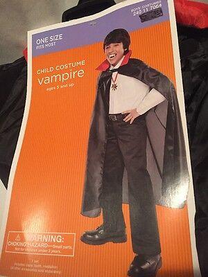 H4) NIP Vampire Black One Size Child Cloak Teeth & Medallion HaLLoWeeN Costume