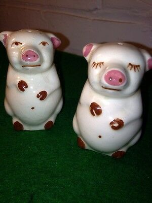 VINTAGE POTTERY PIG SALT AND PEPPER SHAKERS VERY CUTE