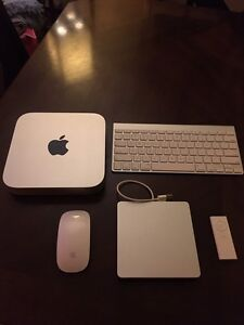 MAC MINI FROM APPLE LIKE NEW ALL INCLUDED !  Cornwall Ontario image 1