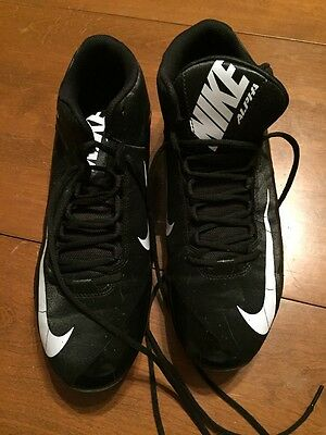 NEW MEN'S SIZE 13.5 ALPHA SHARK 2-3/4 BLACK AND WHITE FOOTBALL CLEATS