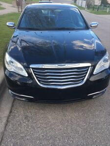 Chrysler 200 Limited-Low kms & extd warranty!