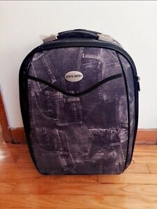 Fun, sturdy, small SUITCASE/LUGGAGE. Carry on suitable.