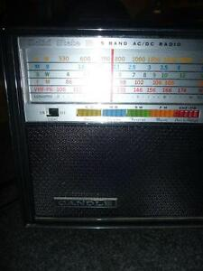 Candle Solid State 18 Transistor Radio 5-Band AM/FM/MB/SW/VHF West Island Greater Montréal image 5