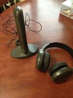 TV Wireless Headset with Receiver, for TV/Movies, very Clean 50$