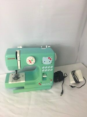 Швейная машина Hello Kitty Sew Pretty
