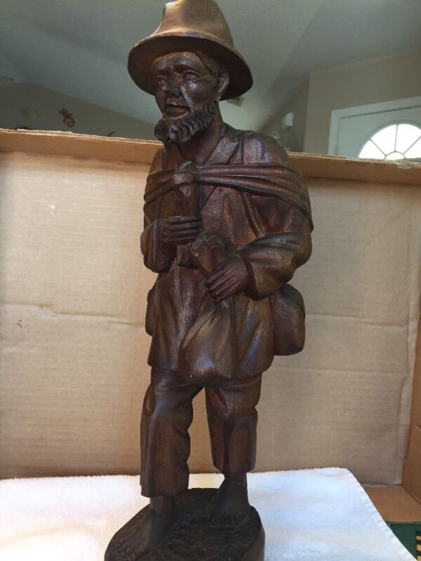 Vintage 17 1/2 Inch Wood Carved Hobo/Mountain Man Statue