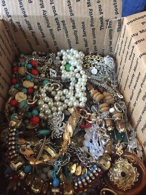 Medium Box Full Of Designer Or High Fashion Necklaces. Wear Gifts Resell. Wow! ()