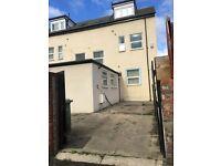 8 bedrooms in Chester oval, Sunderland