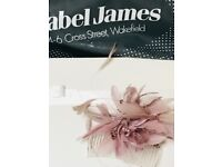 Dusky pink fascinator with box