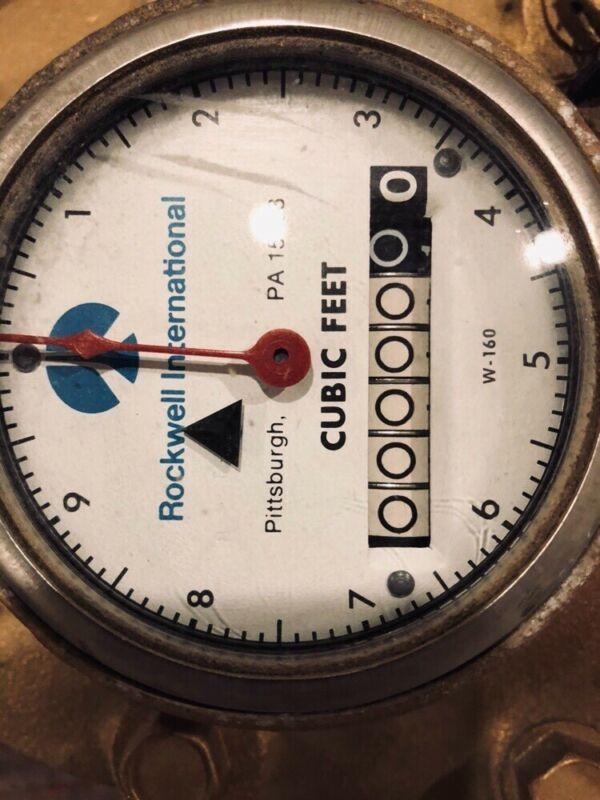 NEW SENSUS COMPOUND  WATER METER BRASS 1 1/2 INLET AND OUTLET