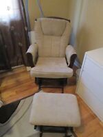 Rocking Chair with Ottoman negociable!