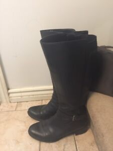 Wide calf Naturalizer boots size 9