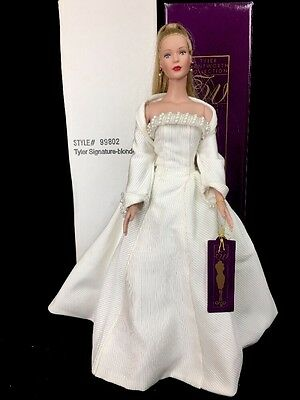 "Robert Tonner Tyler Wentworth Signature Style Dressed Doll 16"" Blonde Ponytail"