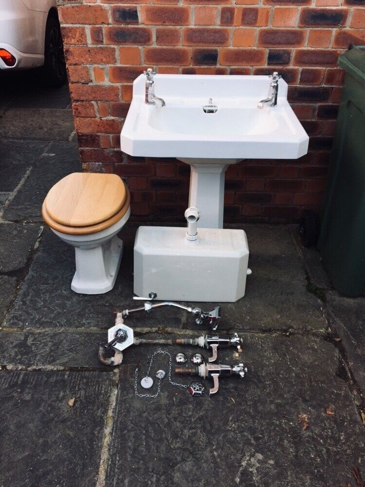 Art deco sink and toilet. unit. | in Chesterfield, Derbyshire | Gumtree