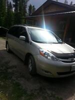 2006 Toyota Sienna Le with leather package Minivan