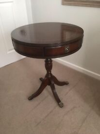 Circular coffee/drinks table
