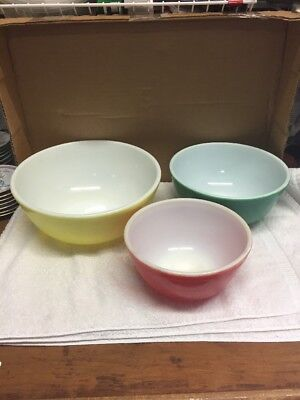 Group Of Three Colored Pyrex Mixing Bowls