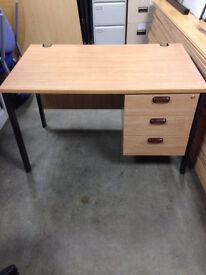 Intergrated Desk & Side Unit