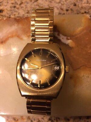 Vtg 1960's Waltham Swiss Manual  17 Jewels Incabloc Date Bronze Gold Watch RUNS!