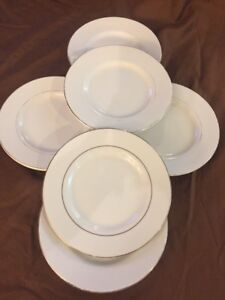 Set Of 6 Gibson Everyday China White Gold Rim Bread And Butter Plates