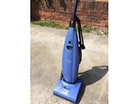 Hoover 1600W upright vacuum cleaner in good clean condition