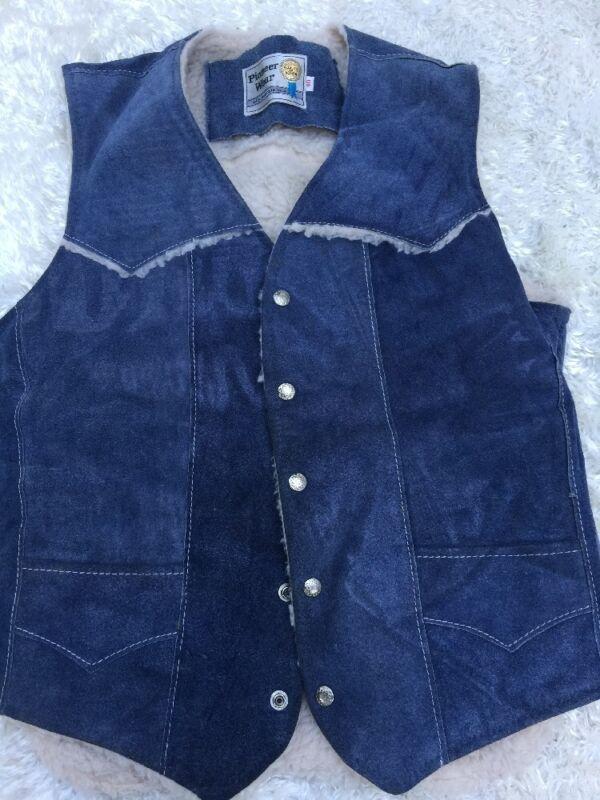 VTG Pioneer Wear sz 40 Sherpa Lined Blue Suede Leather Vest Western Snap Up