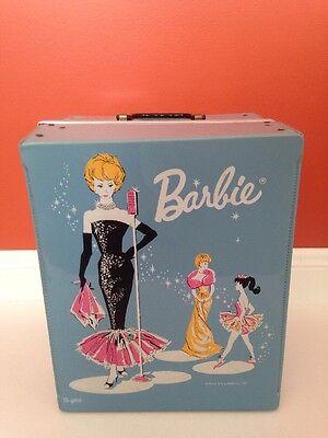 VINTAGE BARBIE DOLL BLUE CARRY CASE 1962 Trunk PONYTAIL Wardrobe black dress