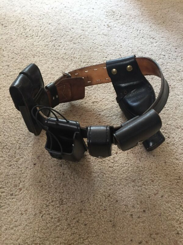 Vintage US Police Belt With Lots Of Attachments ~ Size 30 MFG 18180