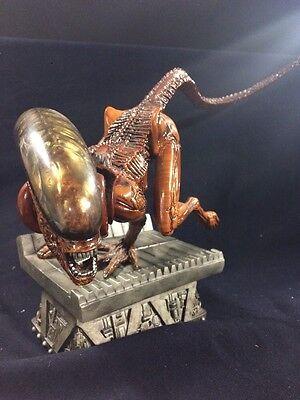 Alien 3 Dog Alien Statue Sideshow Collectibles