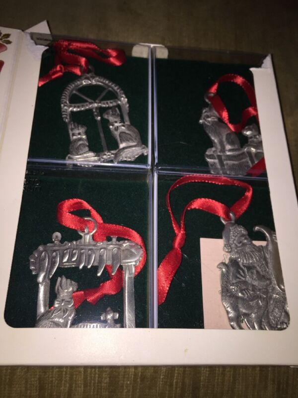 Lindsay Claire Christmas Cat Pewter Ornaments (Set of 4) NEW