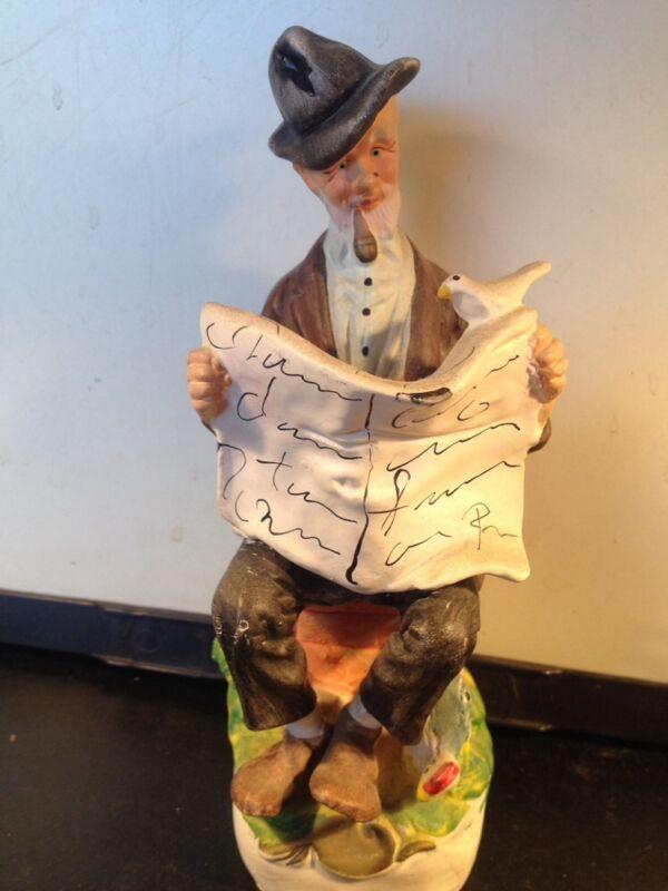 Vtg CERAMIC Papa Hemingway Stoneback Old Man Pipe Newspaper Bird Chicken statue