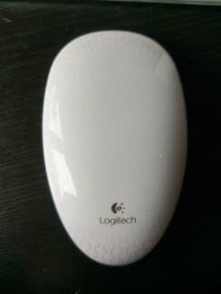 Logitech wireless computer mouse - T620