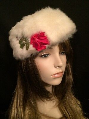 Vintage CHARLOTTE Mousse HB White Fur Pillbox Hat w Roses made in France Sz 21""