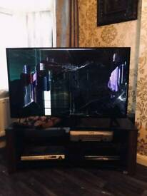 LUXOR 50 INCH Smart TV