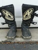 Dirt bike boots youth size 2