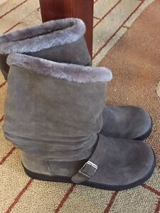 Size 10 Grey Boots