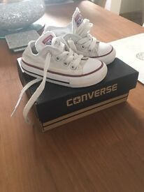 Infant size 5 converse in white unisex